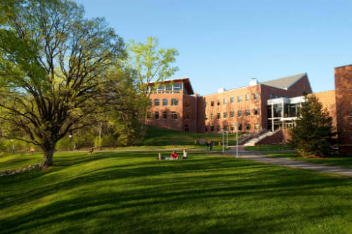 Bethel University - Associate's in Business Administration Online